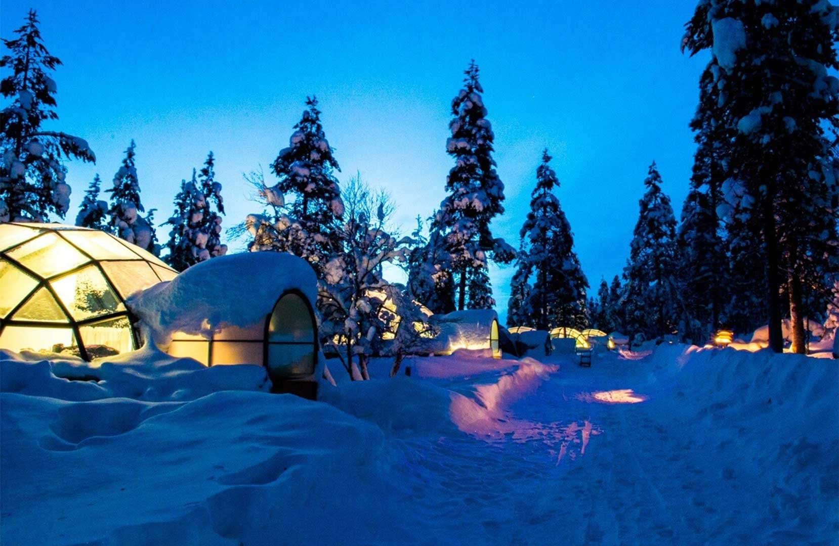 ایگو-شیشهای- شمالیارین-فنلاند-تخت-گردشگری
