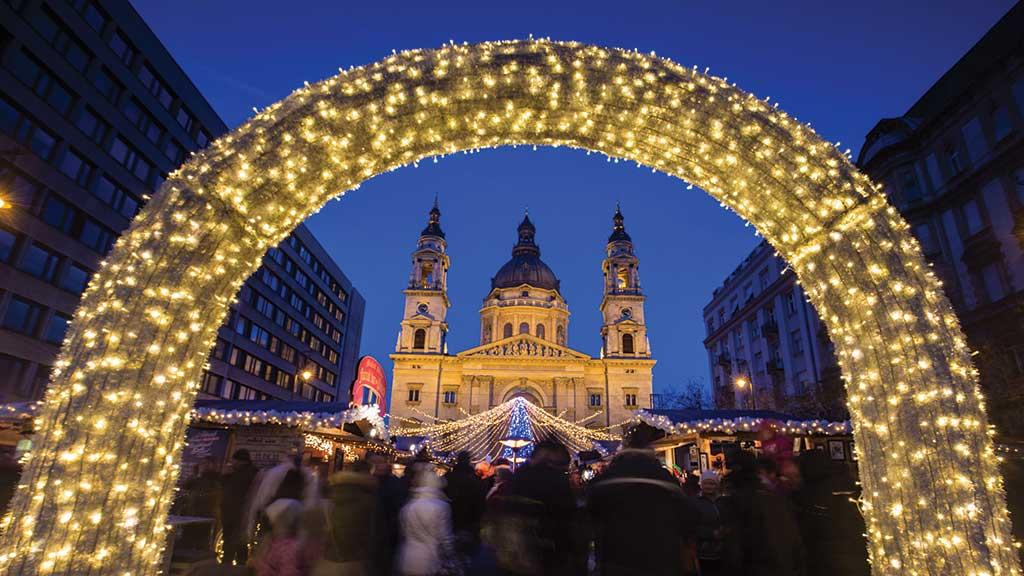بازارچههای کریسمس بوداپست