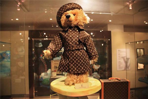 خرس عروسکی برند لویی ویتون