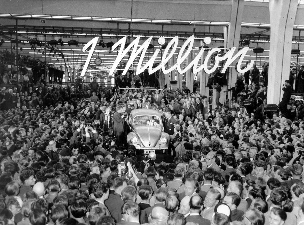 فولکس واگن خودروی یک میلیون دلاری